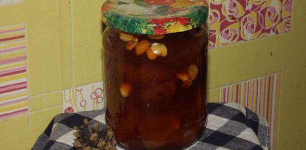 Королевское абрикосовое варенье с косточками