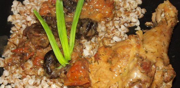 куриное мясо в томатном соусе на сковороде рецепт с фото