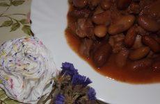 Фасоль с мясом в духовке
