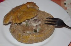 Пирожки с рыбой из дрожжевого теста