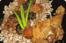 Курица в томатном соусе, рецепт с фото на сковороде